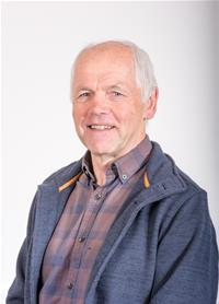 Profile image for Councillor Vic Pritchard